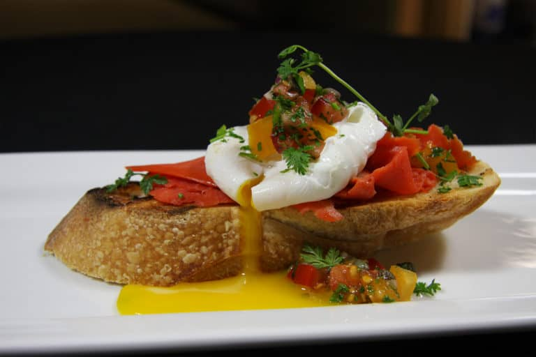 poached egg and smoked salmon, pro athlete cuisine, nutrition